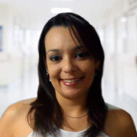 dra-claudia-caetano-fisioterapeuta-maringa-2